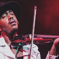 "Pluginin Featured Artist: Damien Escobar ""The Hip Hop Violinist"""