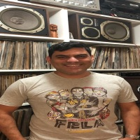 Musica Entre Amigos / Mauricio Cabral